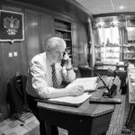 Сергей Миронов. Портреты в кабинете и интервью.
