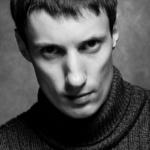 Черно-белый портрет блогера.