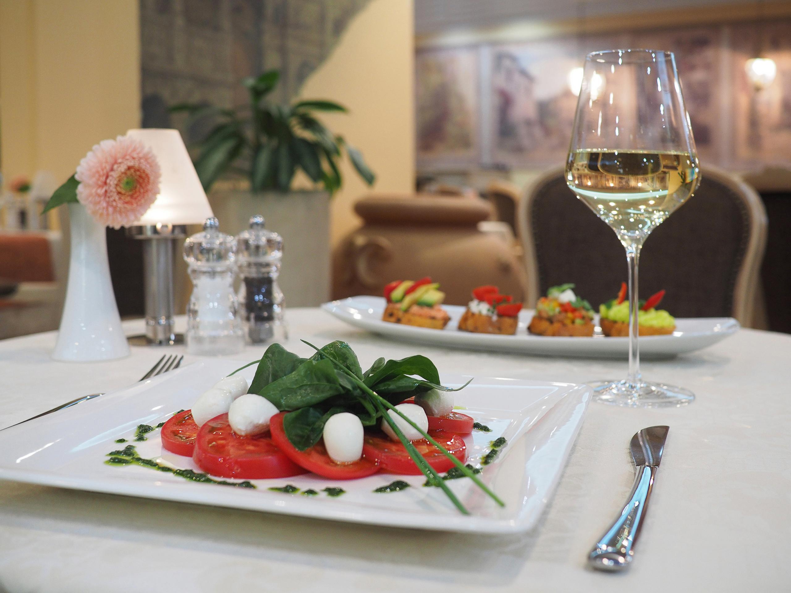 Фотосъемка для ресторана: меню и разделы сайта