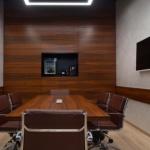 Офисная мебель в интерьере. Фотографии двух комнат