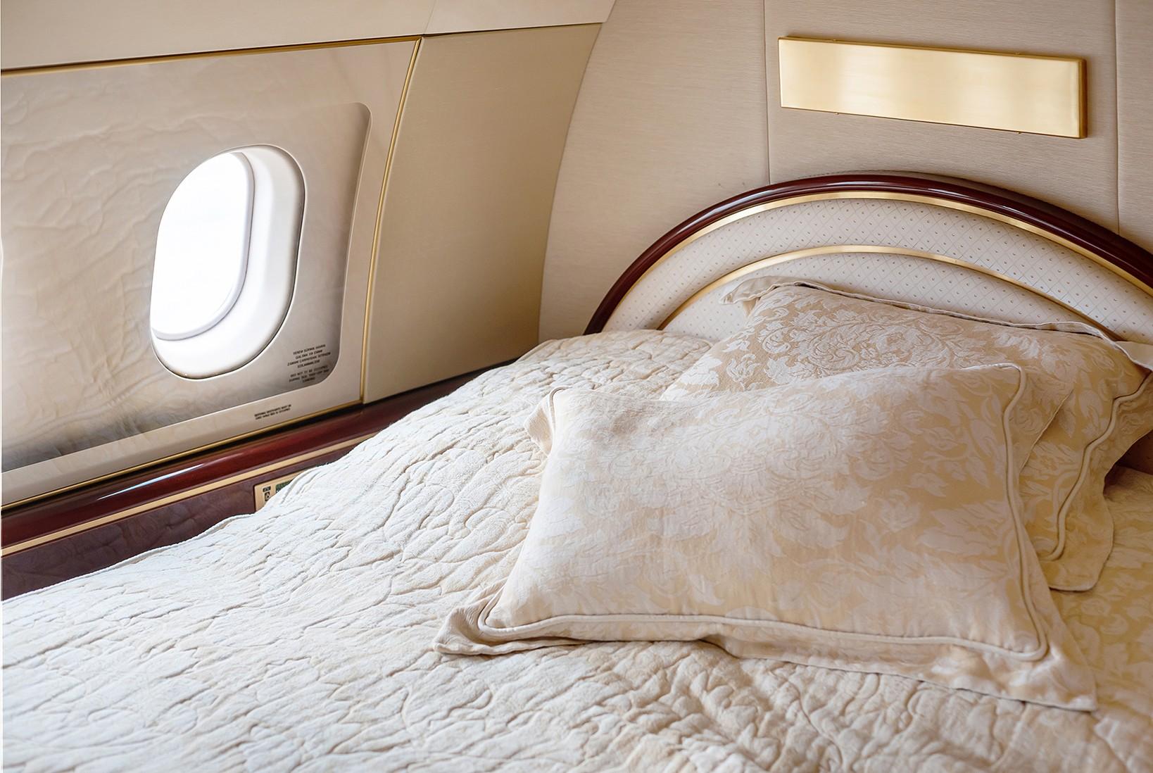 Самолеты бизнес-класса + Про осветительные приборы и насадки при интерьерной съемке